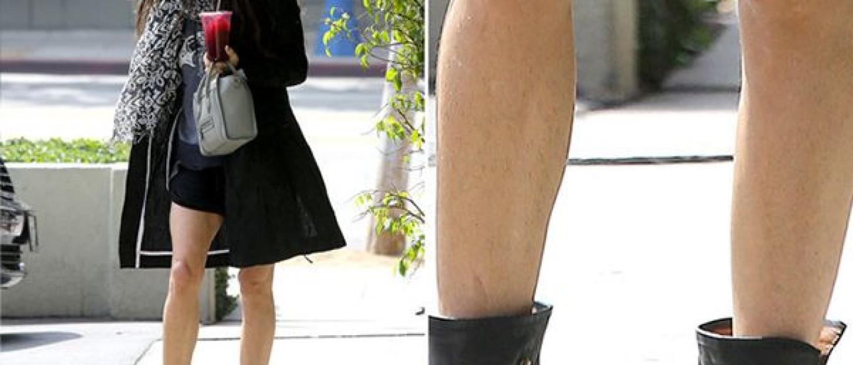 Nega de vestido e calcinha socada na fila do banco - 2 part 2