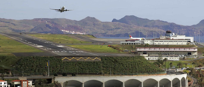 Aeroporto Madeira : Noticias ao minuto vento condiciona movimento no