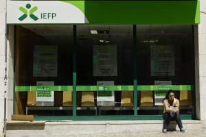 Número de desempregados inscritos caem mais de 13% em novembro - IEFP