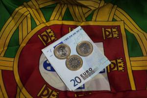 Portugal vai pagar 60 mil milhões em juros da dívida até 2020