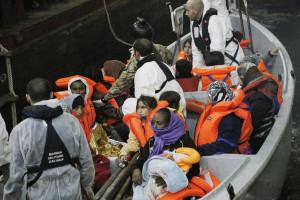 Austrália teve grupo de imigrantes detido um mês em alto mar