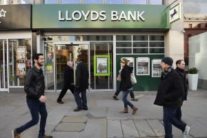 Lloyds planeia cortar mais 9.000 empregos nos próximos três anos