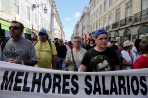 Governo e sindicatos voltam hoje a discutir aumento do salário mínimo