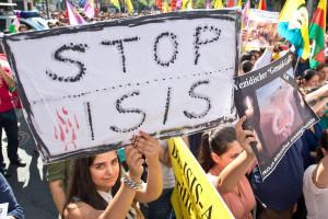 ISIS destrói com bulldozer cidade histórica do norte do Iraque