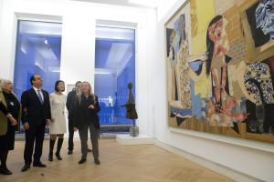 François Hollande quer grandes museus abertos todos os dias