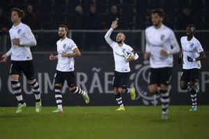 Guimarães vence e isola-se provisoriamente no comando da Liga