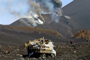 Erupções vulcânicas evoluem para estado crítico