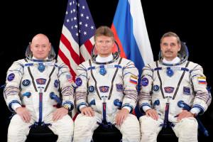 Missão leva astronautas para fora da Terra durante um ano
