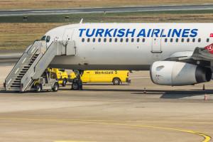 Incêndio em avião obriga a aterragem de emergência