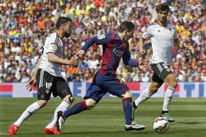 Messi marca golo 400.º no triunfo do FC Barcelona frente ao Valência