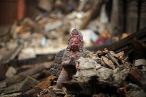 Número de mortos no Nepal sobe para 4.310