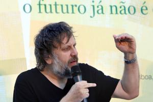 Slavoj Zizek recebe medalha das Belas Artes do Porto