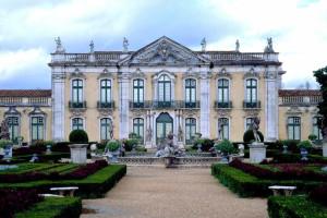 Nove em cada dez palácios sem benefícios por serem monumentos