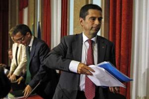 Cortes nas despesas com pensões e salários devem voltar já em 2014