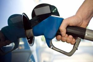 Preço dos combustíveis volta hoje a subir