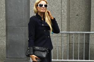 Paris Hilton ganha milhões com 'carreira' de DJ