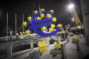 Défice público da zona euro cai ligeiramente para 2,5% do PIB