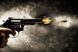 Homem invade quatro casas e mata sete pessoas