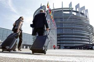 Comissão Europeia diz que vai apoiar Grécia nos desafios futuros
