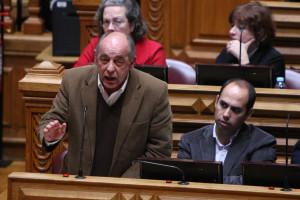 Governo PS terá Bloco nas ruas se não aumentar salários