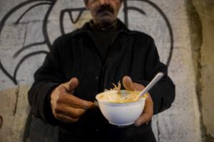 Governo gasta milhões com emigrantes idosos em dificuldades