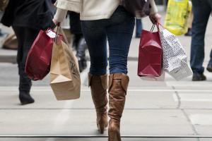 Atividade económica abranda e entra em terreno negativo