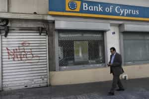 FMI congela ajuda a Chipre por Parlamento ter suspendido lei