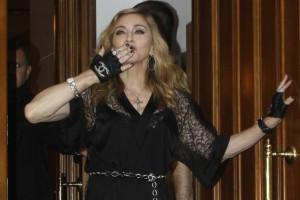 Madonna surpreende com seis novas músicas