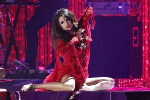 Amigos de Selena Gomez estão 'de pé atrás' com novo namorado