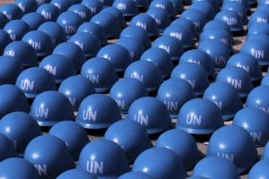 Três capacetes azuis feridos num ataque no norte do Mali