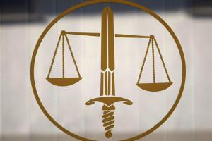 Justiça ordena libertação de pais que retiraram filho de hospital