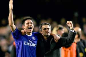 Lampard está de saída e Mourinho não deixou de homenageá-lo