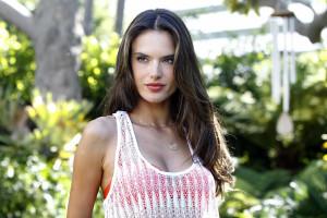 'Anjos' de Victoria's Secret ensinam como treinar