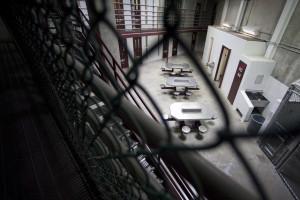 Dois alemães condenados a três vergastadas