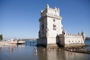 Torre de Belém usada por emigrantes para recordar Portugal