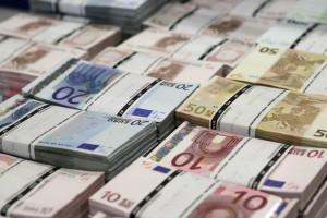 Governo quer emprestar quase 12 mil milhões à economia