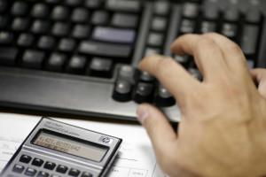 Custa-lhe preencher a declaração de IRS? A Deco dá uma ajuda
