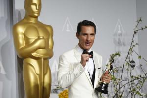 Matthew McConaughey defende as comédias românticas