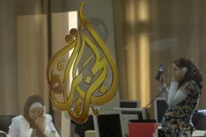 Al-Jazeera exige libertação dos seus jornalistas presos no Egito