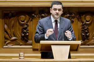 Pedro Marques renuncia ao mandato por razões profissionais