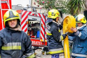 Incêndio em armazéns no Campo das Cebolas já está extinto