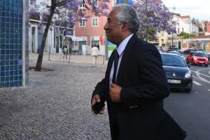 Perto de 150 socialistas pedem alargamento de primárias a Costa