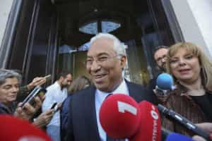 António Costa promete prudência e gradualismo na redução da TSU