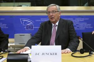 Parlamento Europeu deverá aprovar hoje nova Comissão Europeia