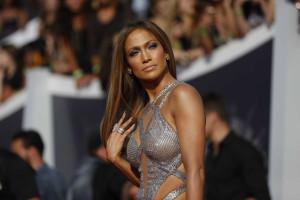Jennifer Lopez quer continuar solteira