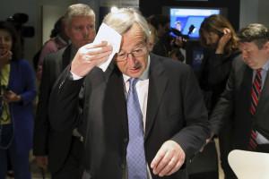 Juncker enfrenta hoje moção de censura no Parlamento Europeu
