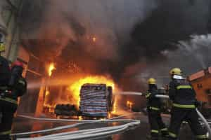 Incêndio em centro comercial na China faz pelo menos dois mortos