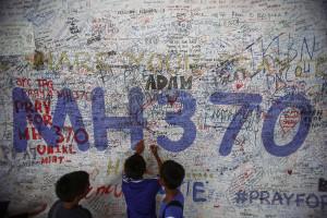Filhos de passageiro de MH370 processam Malaysia Airlines