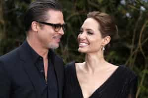 Jolie e Pitt compram iate de 313 milhões