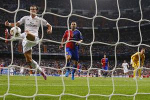 Real Madrid goleou, Atlético Madrid perdeu fora